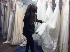 בחירת שמלת כלה אונליין
